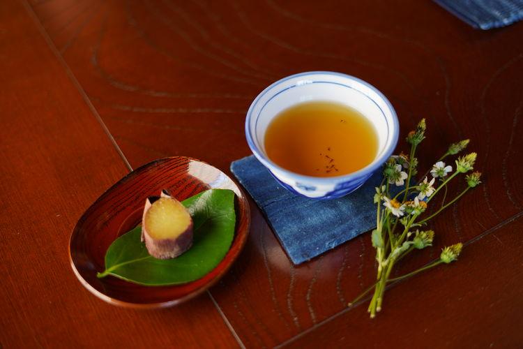 野草茶と焼き芋